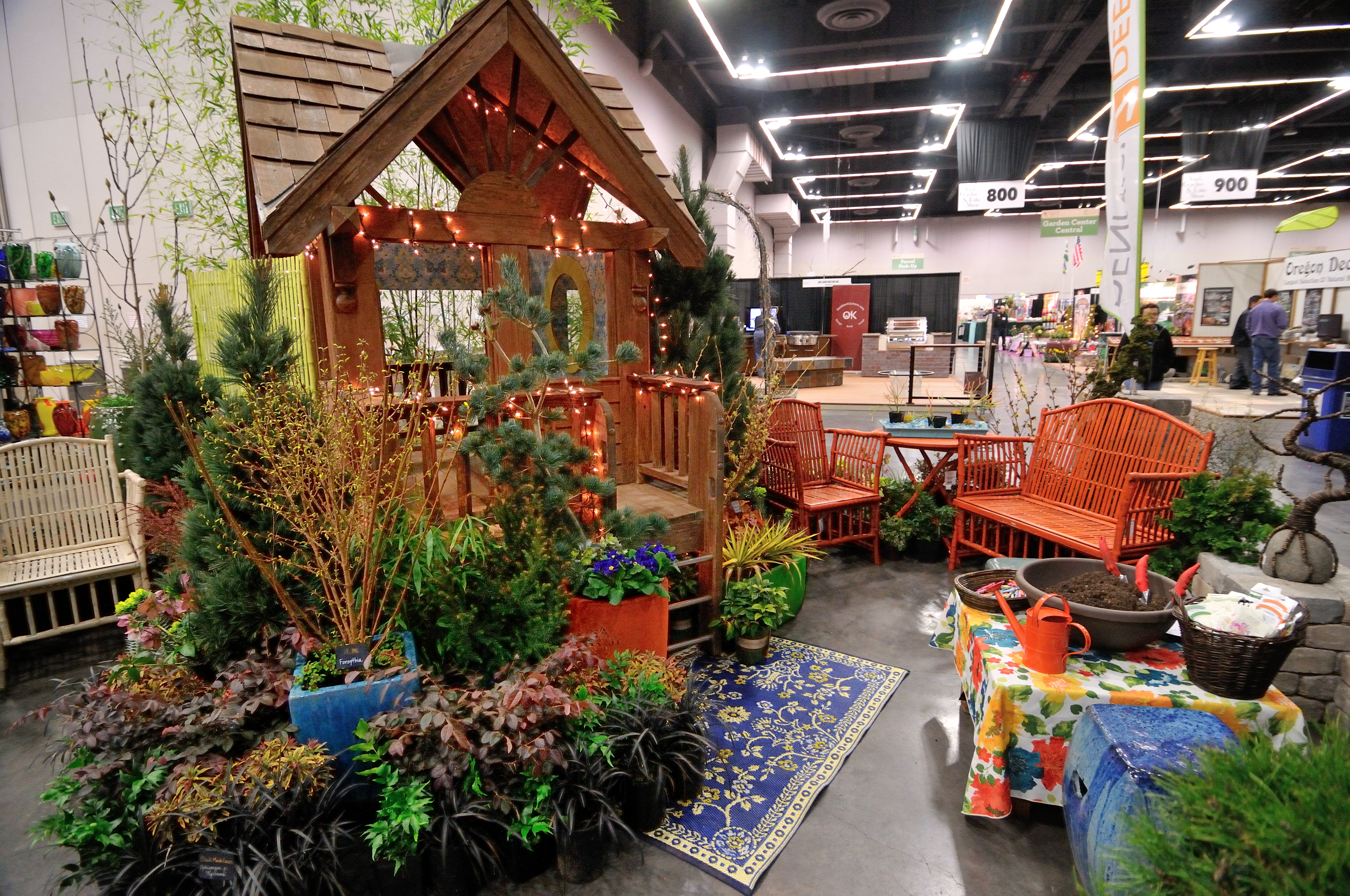 2012 Yard Garden & Patio Show | Take Root with Dennis\' 7 Dees